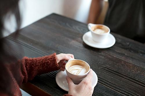 Thực phẩm chứa Caffeine gây kích thích lớp lót dạ dày