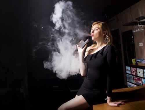Hút thuốc tuy không gây loét, nhưng khó lành bệnh