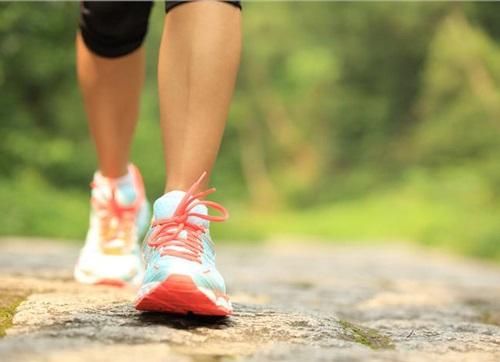 Đi bộ ngay sau khi ăn