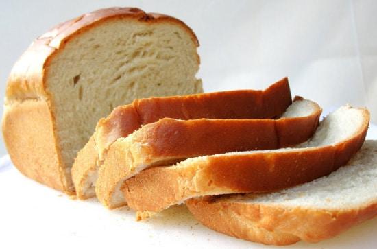 Ăn bánh mỳ giúp giảm axit dạ dày