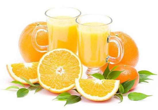 Nước cam cũng có tác dụng giúp thúc đẩy lên men tiêu hóa thức ăn