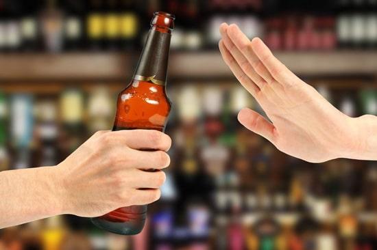 Tránh sử dụng các chất kích thích như rượu, bia