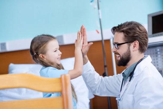 Nội soi dạ dày chỉ nên áp dụng cho trẻ khi thực sự cần thiết và phải do đích thân bác sỹ chỉ định