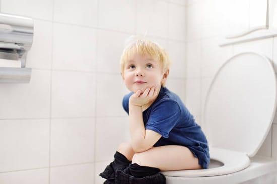 Nước gạo rang chống tiêu chảy cho trẻ